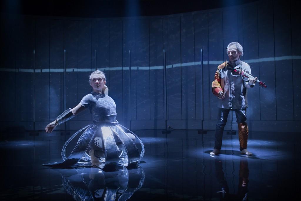 Föreställlningen #jag på Kungliga Operan 2016. På bilden: Gjertrud Lager Olaussen och Semmy Stahlhammer.