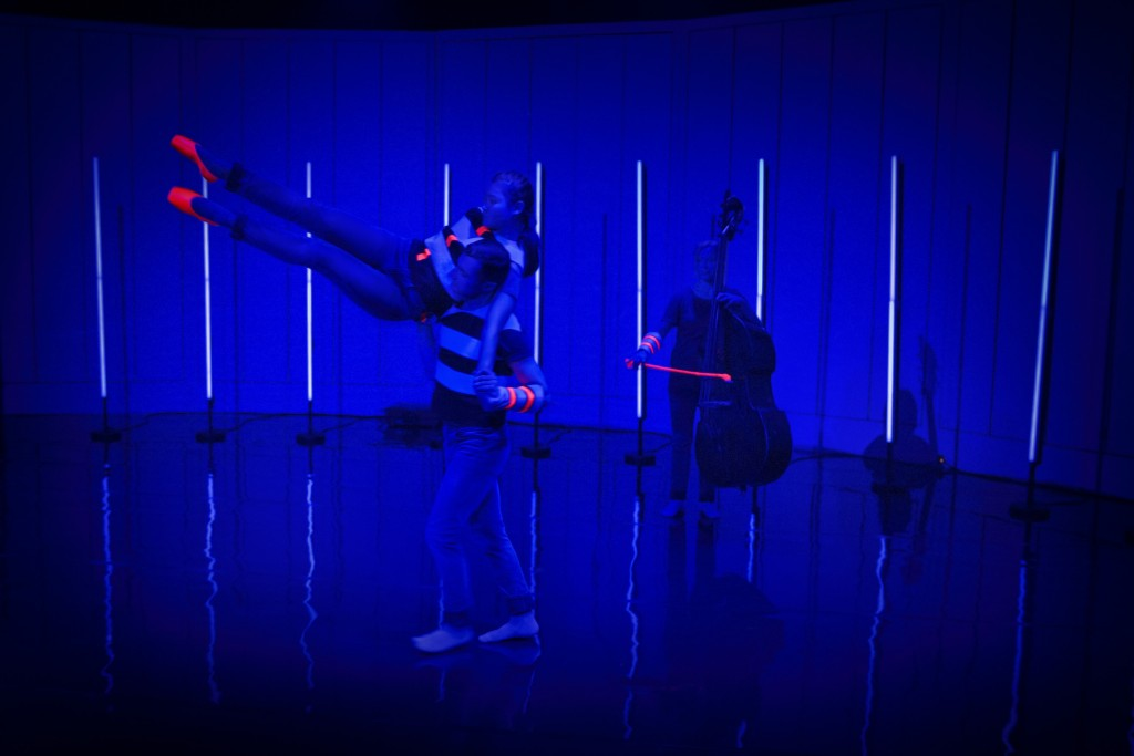 Föreställlningen #jag på Kungliga Operan 2016. På bilden: Michelle Persson; Ninos Josef; Katarina Lindgren